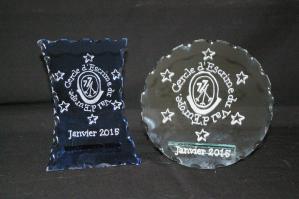 Trophée en verre et leurs gravures réalisées d'après votre logo de club