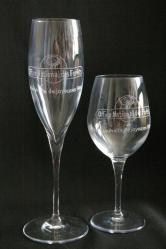 Verre a vin et flute a champagne graves pour l office des eaux et forets