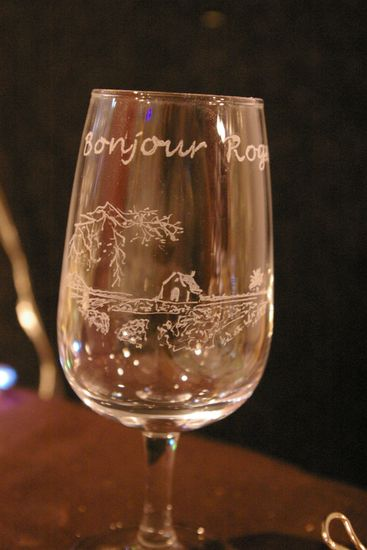 Verre A Vin Personnalise Par La Gravure De Carte Visite Du Viticulteur Bonjour Roger